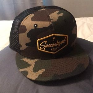 Camou Specialized flatbill hat